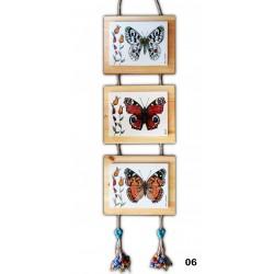 Ahşap Üzerine Kelebek Desenli El Yapımı Çini Pano Model-06